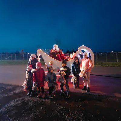 Św. Mikołaj z dziećmi
