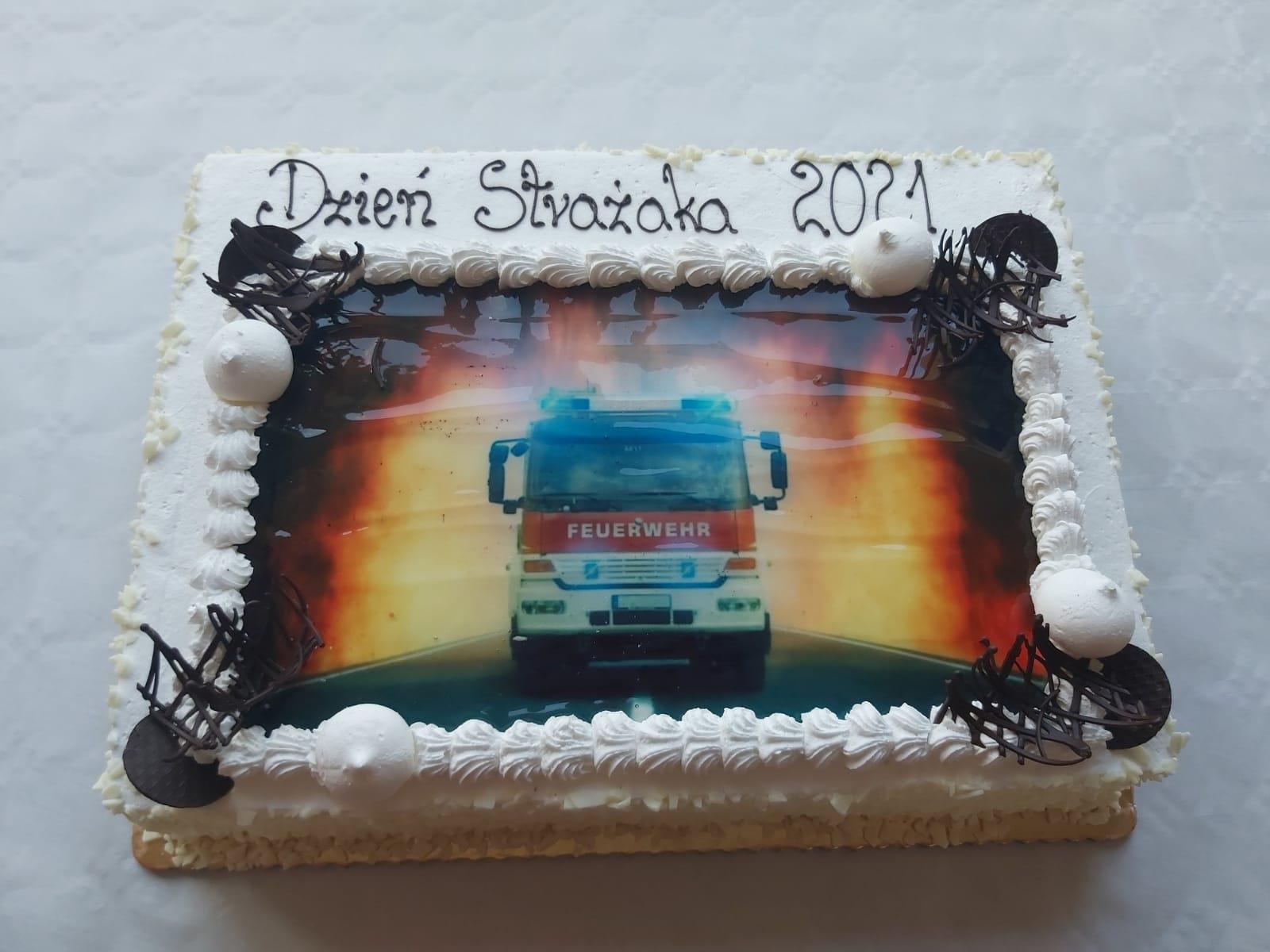 Tort z okazji Dnia Strażaka
